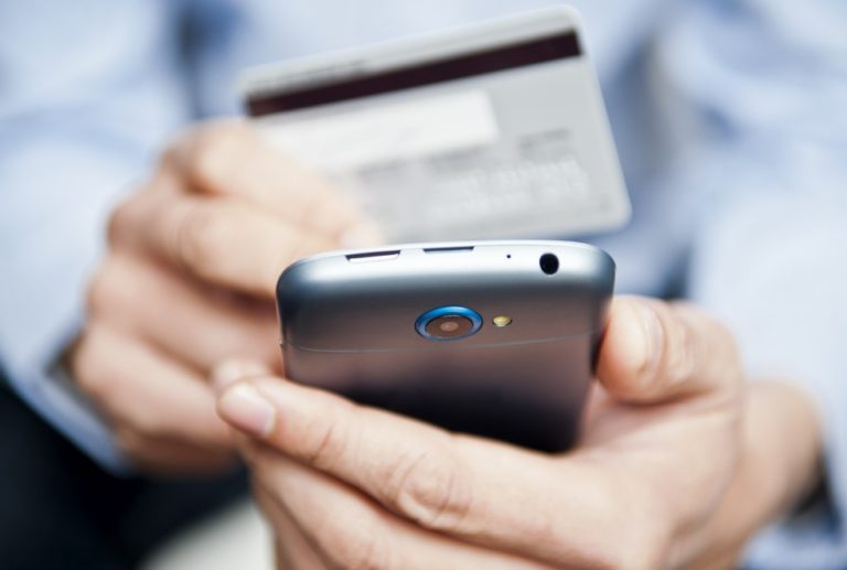 4 Ways to Avoid Unwanted Credit Card Charges
