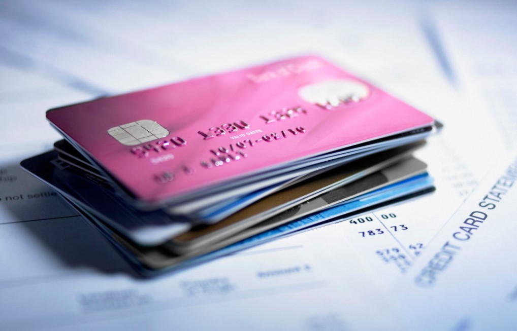 Store Credit Cards Can Hurt Your Credit
